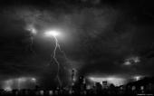 fond écran Ville sous l'orage