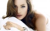fond écran Angelina Jolie