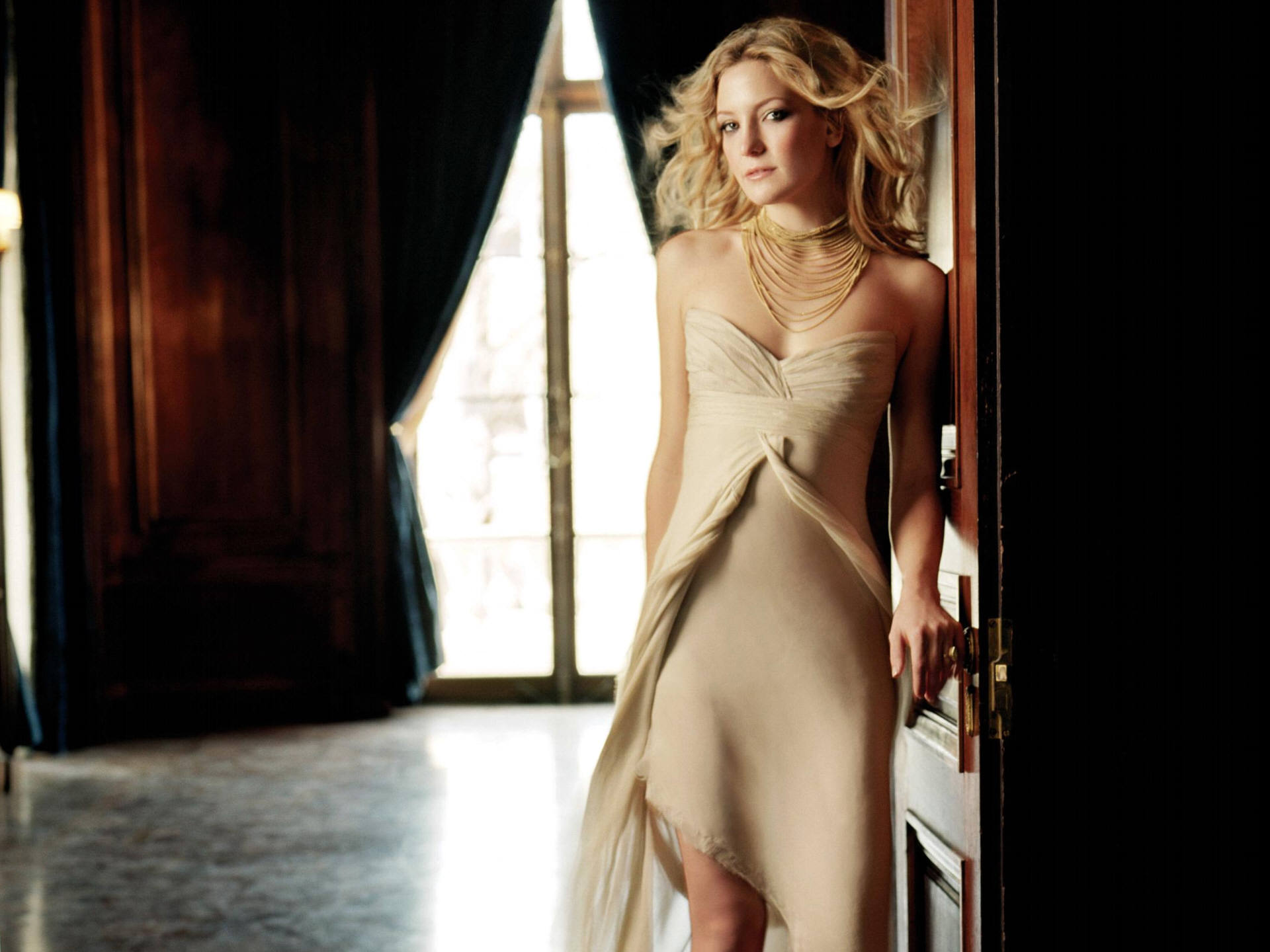 http://www.weesk.com/wallpaper/celebrites-femmes/kate-hudson/kate-hudson-0-kate-hudson-celebrites-femmes.jpg